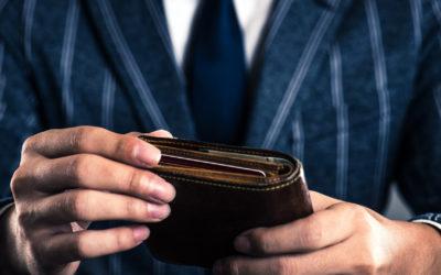 Męski portfel z grawerem: detal, który robi różnicę